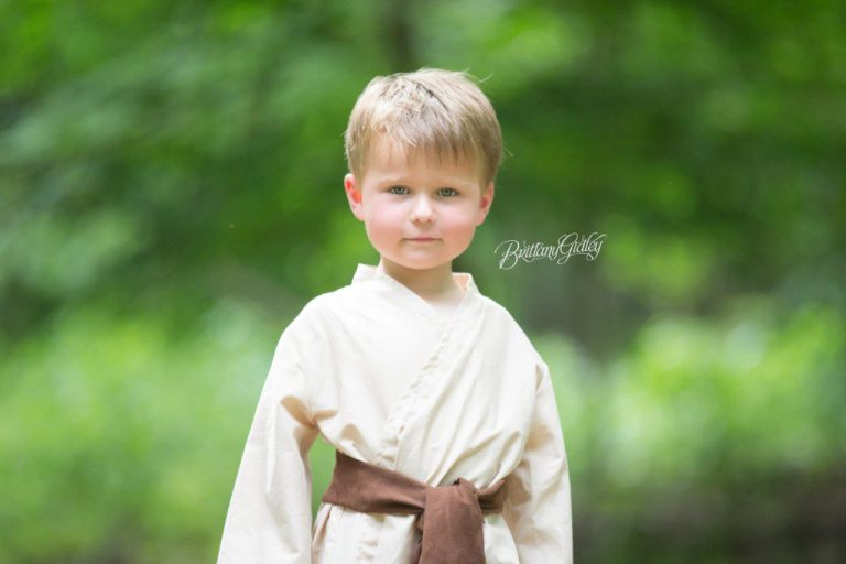 Star Wars Photo Shoot | Jedi | Child Photographer | Best Children Photography | May the Force Be With You | www.brittanygidleyphotography.com
