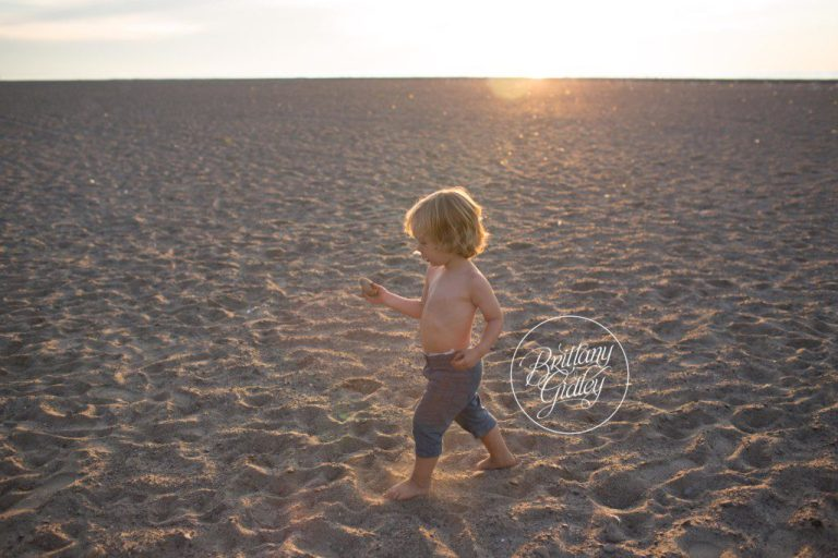 Beach Photographer | Toddler | Mentor Headlands Beach