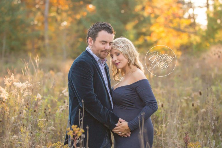Maternity Photo Shoot | Pregnancy Pictures | Nature Realm