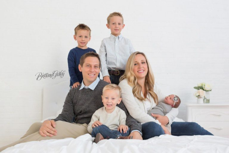 Newborn and Family Photographer | Start With The Best | Cleveland, Ohio | Newborn Portrait Studio | Family Portraits