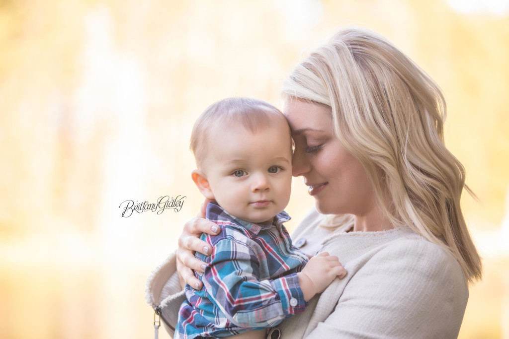 Strongsville Baby Photographer | Wade 9 Months