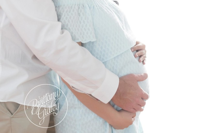 Celebrity Maternity Photography | Dream Lighting | Dreamy Maternity Photography
