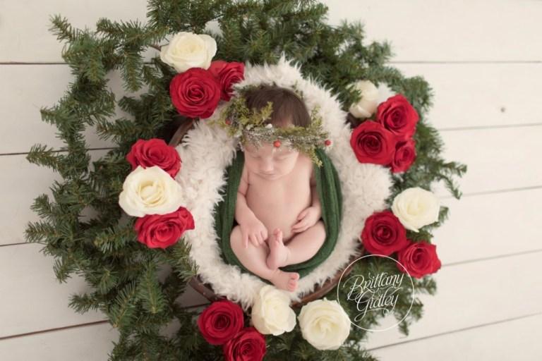 Christmas Newborn Announcement | Fresh Florals | Christmas Card Newborn