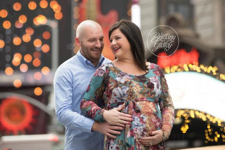 New York City Maternity Photographer | Maternity Photography NYC | Times Square Maternity Photo Shoot