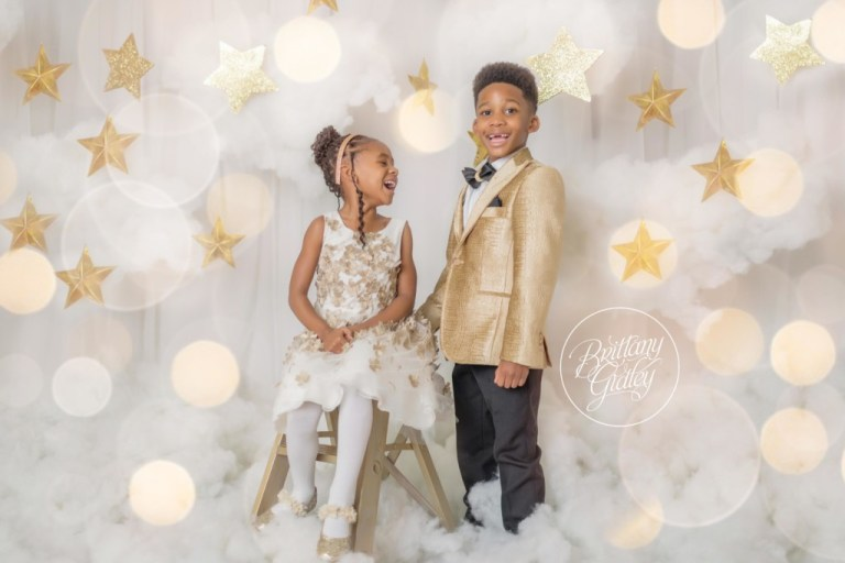 Sparkle and Shine Dream Session | Stars | Gold | Christmas Images | Dreamy Photography
