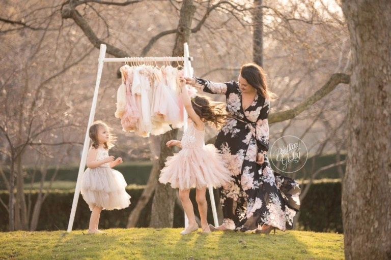 Dress Up Photo Shoot | Mommy and Me | Whimsical Child Photography | Cleveland Museum of Art | Mommy and Me Photo Shoot