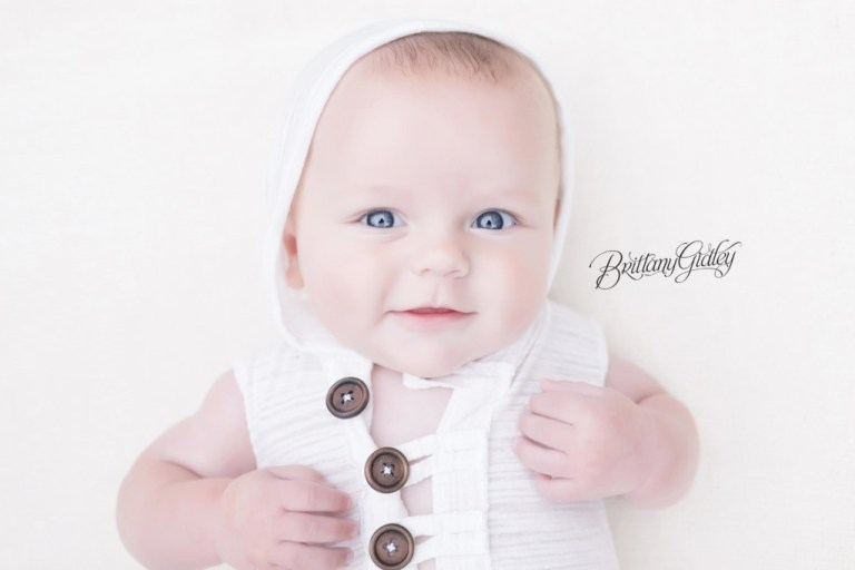 6 Month Baby | Milestone Baby Photos