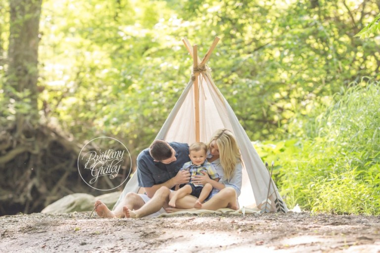 Summer Photo Ideas | Toddler Photography | Teepee Photo Shoot | Family