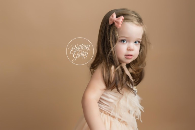 Independence Newborn Photographer | Independence Ohio Newborn Photography | Start With The Best | Girl Mom | Newborn Photography Posing