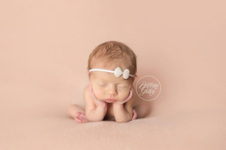 Hudson Newborn Photographer | Froggy Pose | Clickin Moms | Newborn Photography