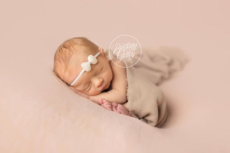 Hudson Newborn Photographer | Newborn Posing | Taco Pose | Cleveland Ohio