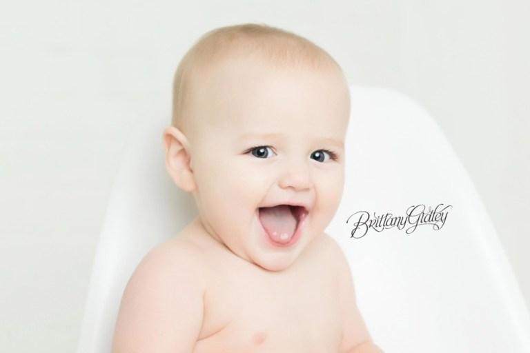 Cleveland Baby Photographer   12 Month Baby   Dream Lighting   Dream Session   Photo Shoot Cake Smash