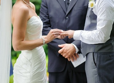 6 Daily Promises to Make to Your Husband