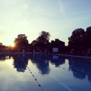 A sunset screening at Brockwell Lido. Photo by HH Free Film Fest volunteers