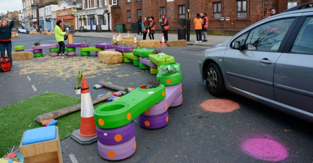 Sustrans organised a trial of traffic calming measures in New Park Road last month