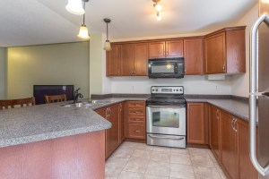 Image of kitchen of 17 Milligan St, Bradford, ON L3Z 0A6