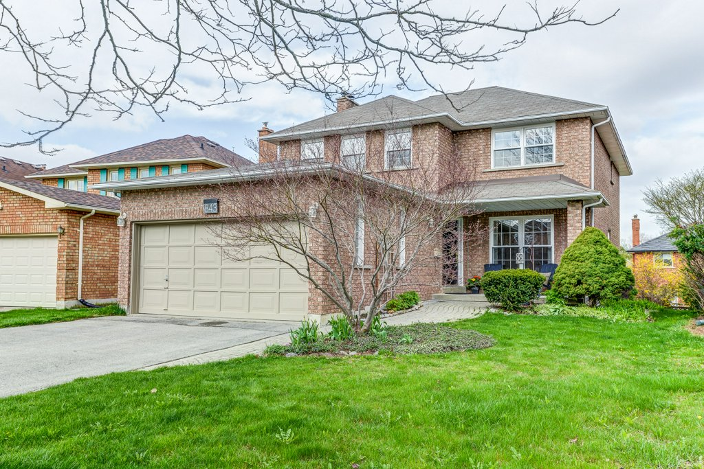 Image of 843 Firth Crt Newmarket Ontario L3Y8H6