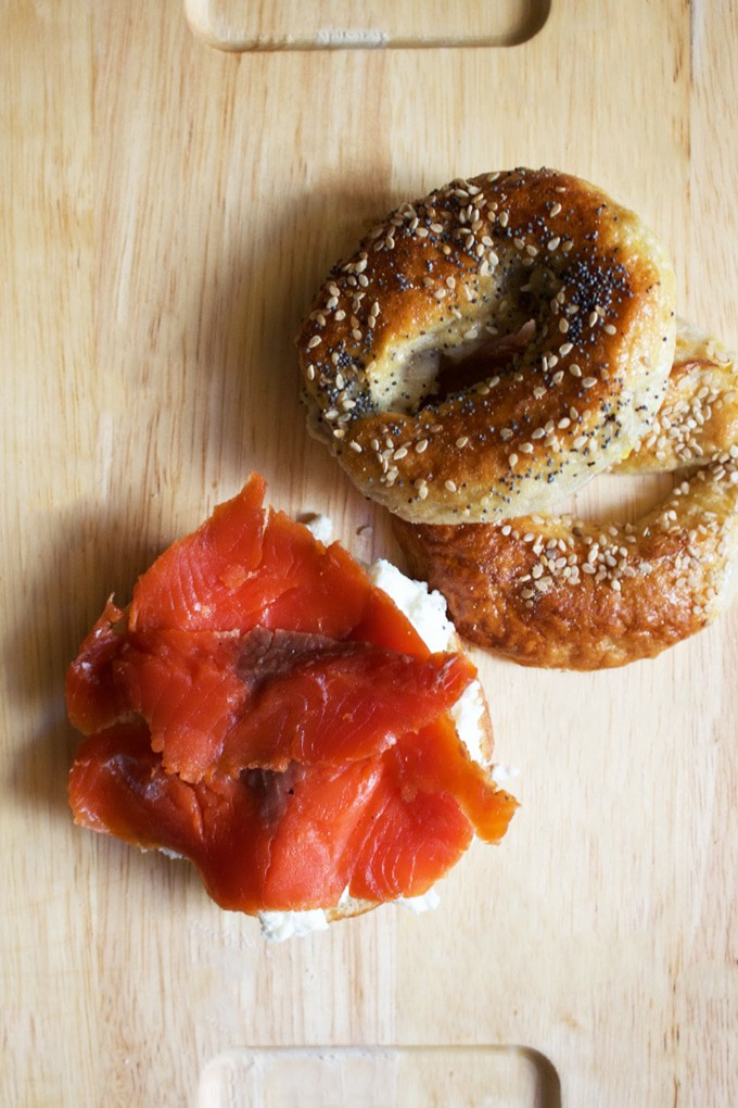 How to make cured Salmon - This is a super easy and straightforward way to enjoy some fresh tasting salmon. If you want to learn how to make cured salmon, click here !