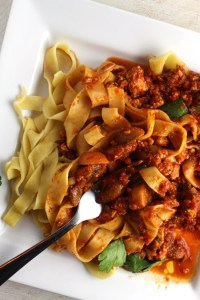 Vegan Bolognese - How to make a delicious vegan bolognese with only a few ingredients and under 30 minutes. This is the best and most meaty bolognese you will ever have. - Brokefoodies.com