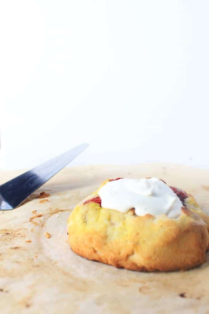 Keto Strawberry & Almond Butter Galettes - Easy, Straightforward Low-Carb & Gluten-Free Dessert.