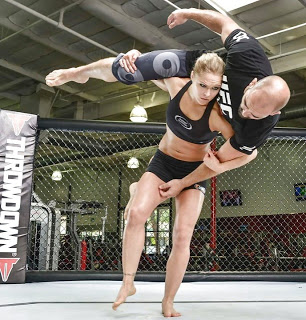 Ronda Rousey Throw