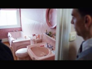 Links to film and TV bathroom props