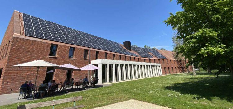 Bronsgroen plaatst 156 zonnepanelen op LDC Hogevijf in Hasselt