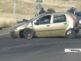 BRONTE: C.DA DIFESA SCONTRO TRA DUE AUTO, FERITI LIEVI LE FOTO