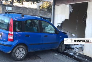 MALETTO: PERDE IL CONTROLLO DELL'AUTO E SFONDA UN MURO
