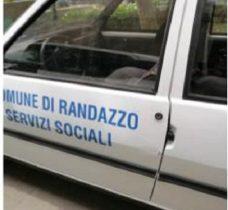 RANDAZZO: PRESI MENTRE RUBANO L'AUTO DEI SERVIZI SOCIALI DEL COMUNE