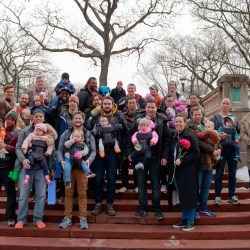 NYC Dads Group creates #DadStories at the Bronx Zoo with Baby Björn