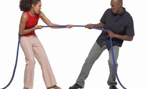 black-couple-pulling-rope
