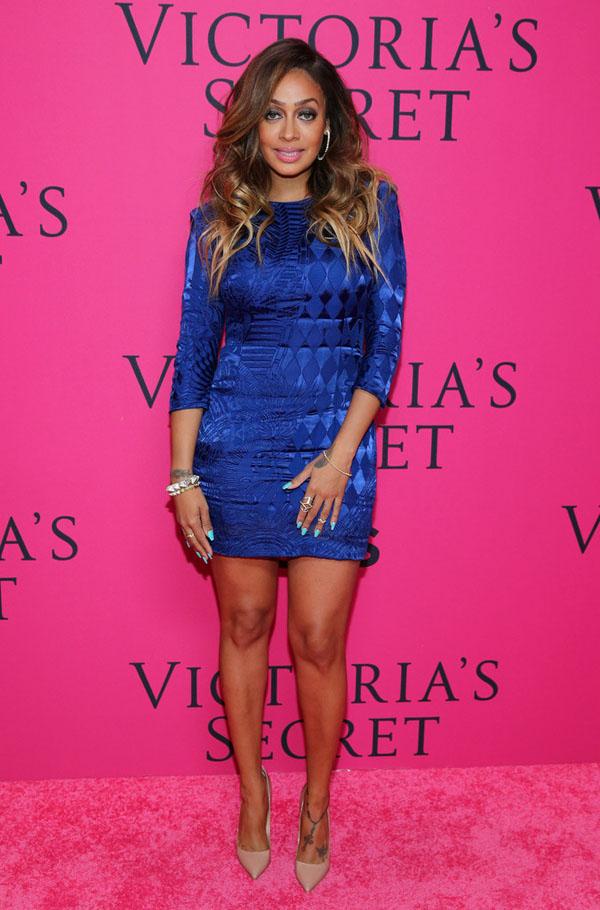 LaLa-Anthony-Victorias-Secret-Fashion-Show-Balmain-Blue-Textured-Dress (2)