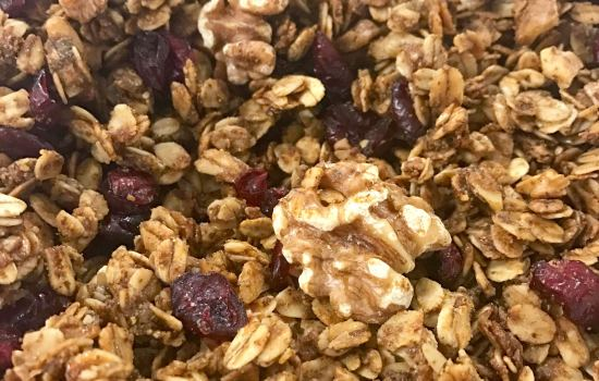 Breakfast Granola (and tips for a satisfying breakfast)