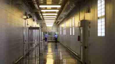 prison001_16x9