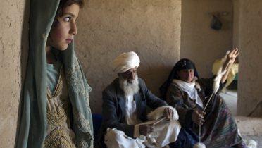 afghan_family001_16x9
