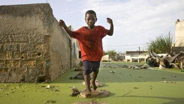 africa_child001_16x9