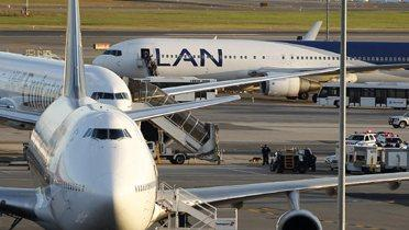 airplane004_16x9