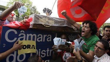 brazil_protest001_16x9