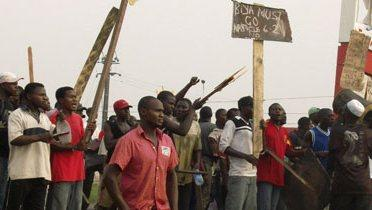 cameroon_protest001_16x9