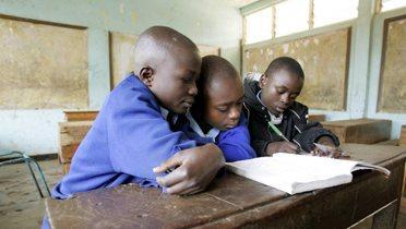 children_reading001_16x9