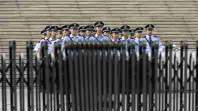 china_policemen001_16x9