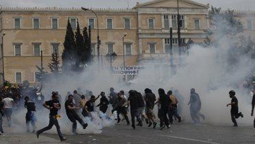greece_riots001_16x9