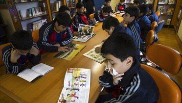 iran_students002_16x9