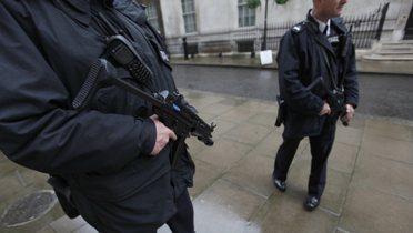 london_police001_16x9