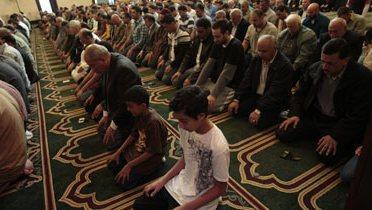 muslim_prayer001_16x9