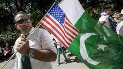 pakistani_immigrant001_16x9
