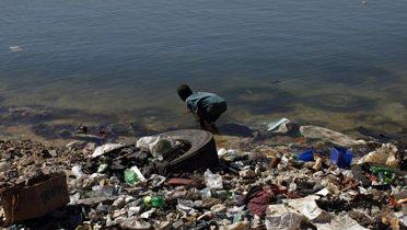 pollution_beach001_16x9