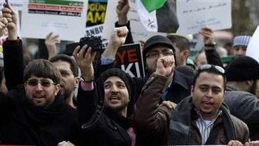 syria_protest007_16x9