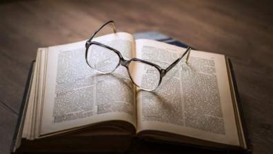 bookglasses_16x9